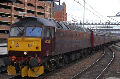47760 arrives at Leeds with 5Z26 1203 Peterborough Yard-Carnforth ecs off the previous day's Huntingdon-Carlisle charter (15/02/2009)