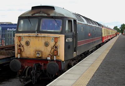 47703 heads the 1020 to Leyburn at Leeming Bar (19/07/2009)