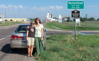 Entering Muleshoe, Texas. If there's no population figure on the sign, does that mean no one lives there?