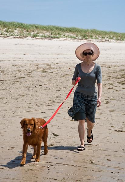 Chantal walking Rogue