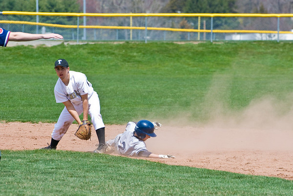 Mike Scott (2nd baseman, #2) slides safely into second