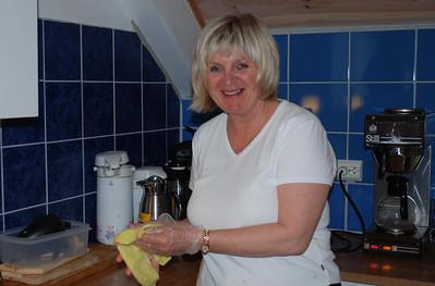 Anne Karin Bethuelsen på kjøkkenet