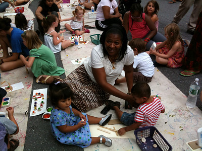 At a outdoor art class with Nanny Tricia