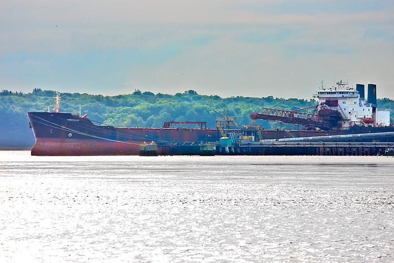 Ambassador self unloading bulk carrier