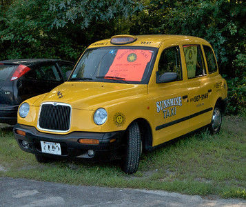 On the way in to the festivities I spotted this cab which made me laugh.