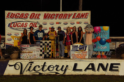 Don O'Neal in Victory Lane @ Tri-City Speedway