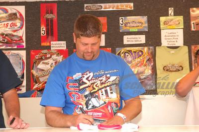Earl Pearson, Jr. signs autographs