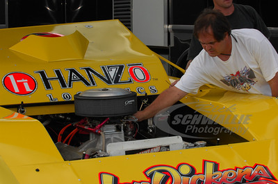Tader Masters tunes on Don O'Neal's car