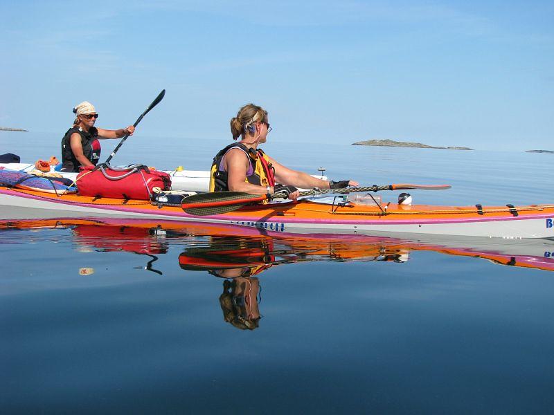 Ewa och Kerstin på väg till Lygna