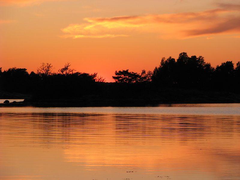 Solnedgång över Lökaön