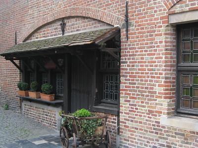 Bruges home - Kaitlin Lutz