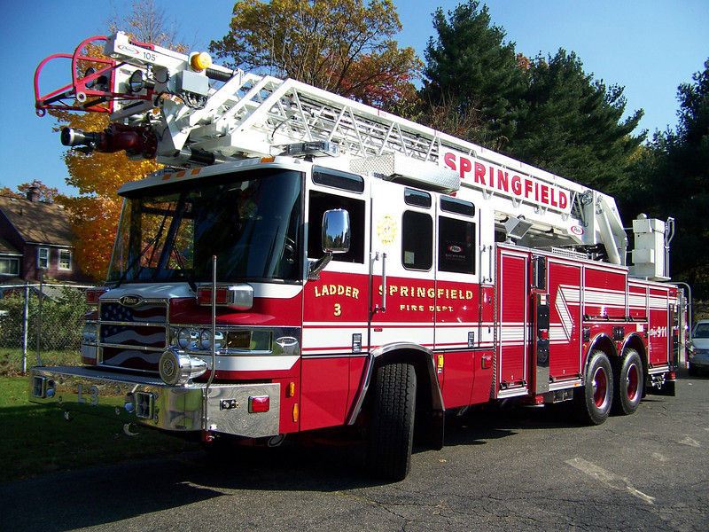 Springfield's new (as of 2008) Ladder 3. Not in service yet as they don't have a firehouse big enough to accomdate her.