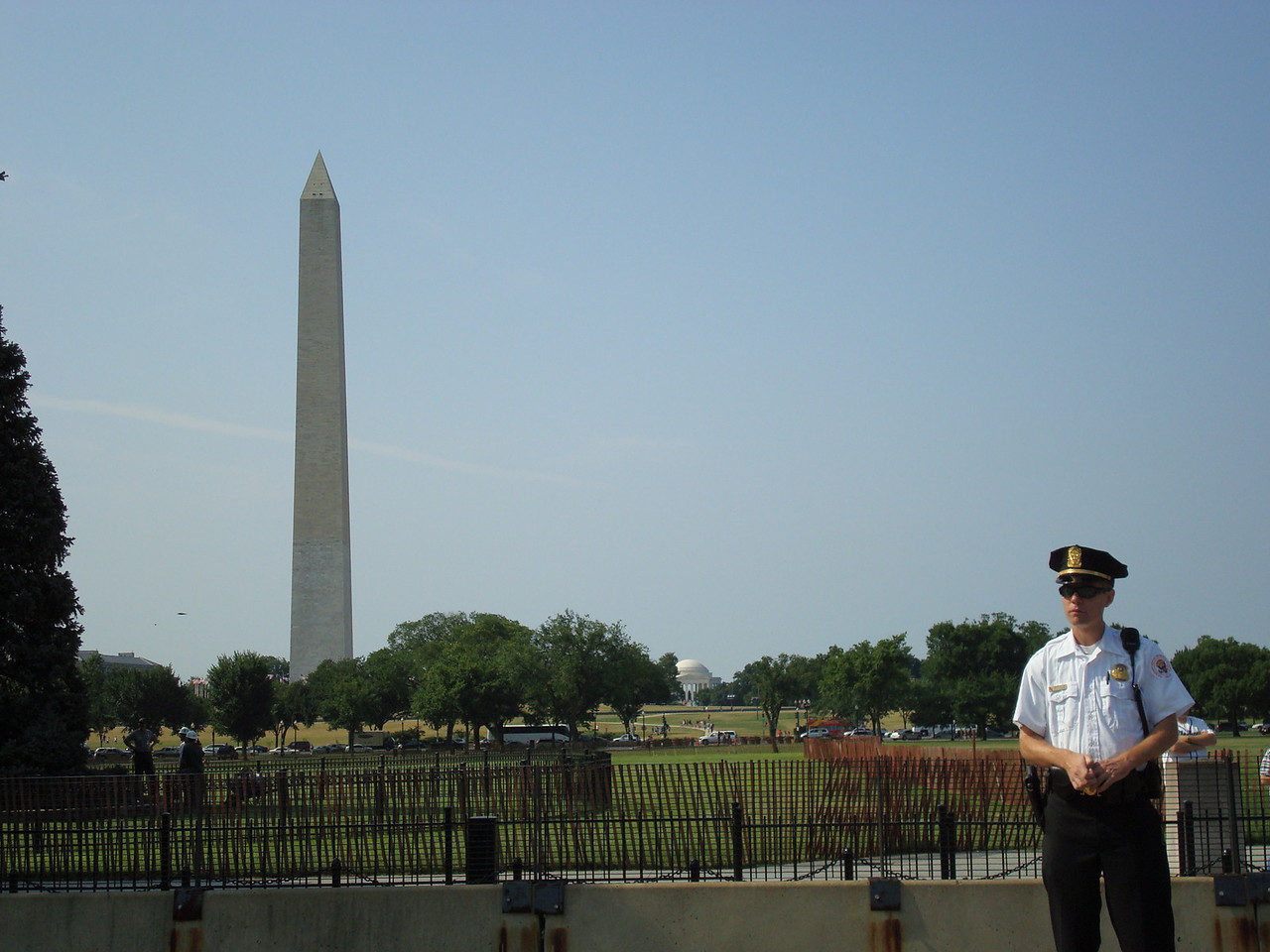 Washington Monument from in front of the White House