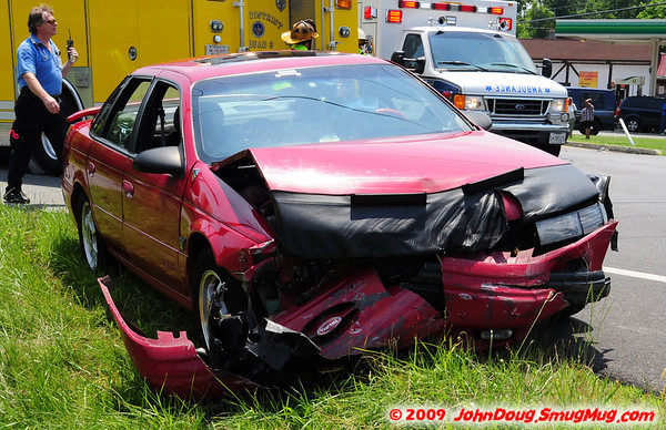 6/03/2009 Accident near St James with one into the woods
