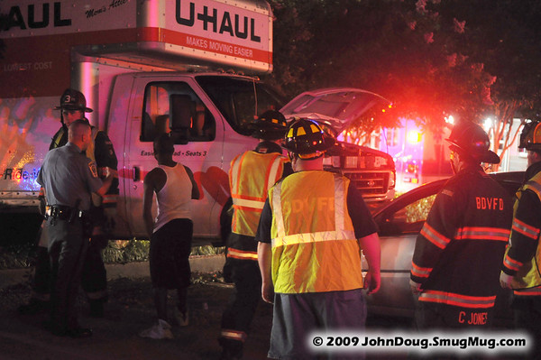 8/15/2009 U-haul Lands on a Car on Great Mills Rd