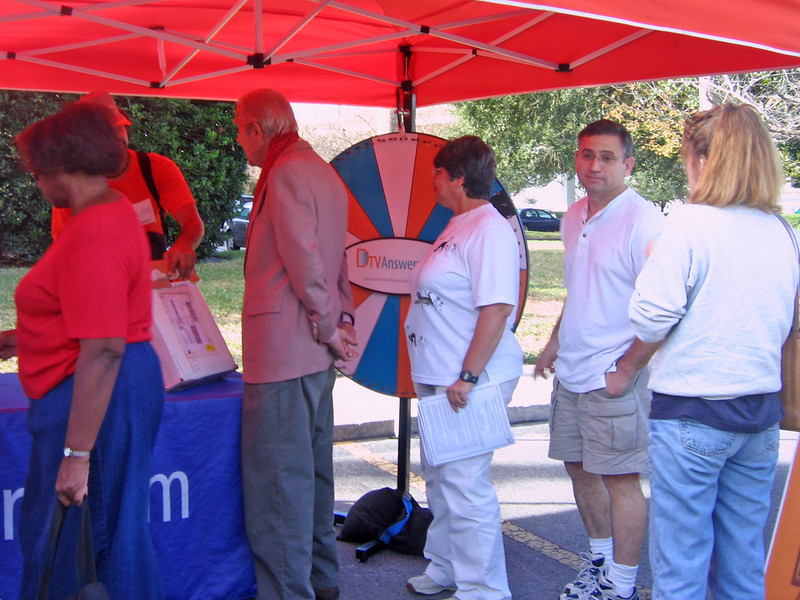 Community members spoke with experts, who answered their questions and provided handouts.