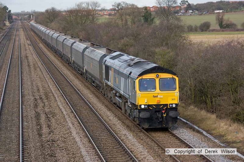 090123-015     Fastline Freight class 66 no. 66305 heads south through Cossington, powering train 4G95 Ratcliffe power station - Daw Mill colliery, empty coal hoppers.
