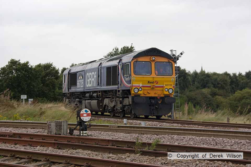 090826-005     GBRf class 66 no 66725 Sunderland, seen on the end of Thoresby colliery branch, and is heading back to rejoin the stock.