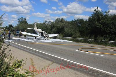 Mansfield, MA Plane crash on I-495 9/1/09 - 105firephotos