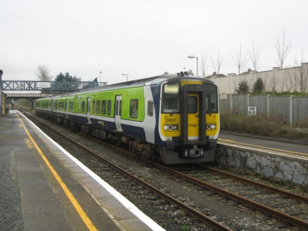 2807 + 2808 + 2818 + 2817 at Arklow with the 1300 Rosslare Europort - Maynooth. Sat 28.11.09 With thanks to 2810 Gricer.