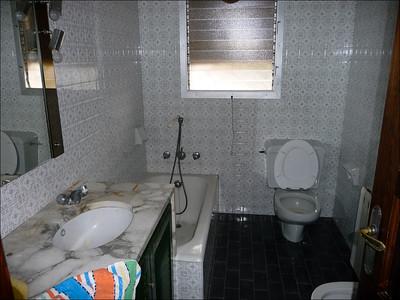 Salle de bain des enfants, il ya du boulot!