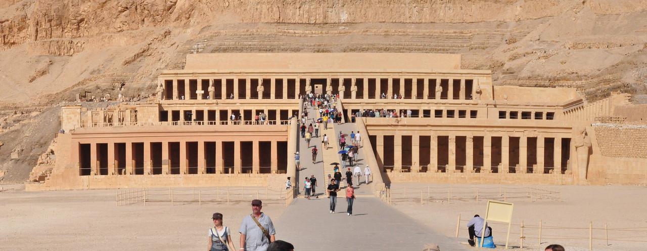 2010-11-12  029  Temple of Hatshepsut