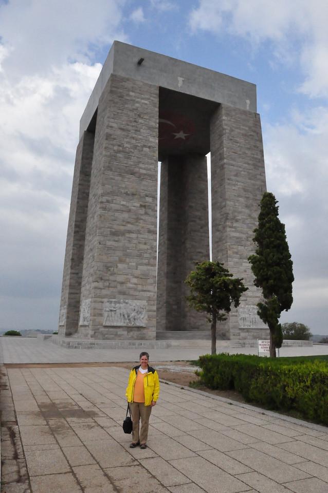 2010-10-26  081  Veronica at the Turkish Galipoli War Memorial