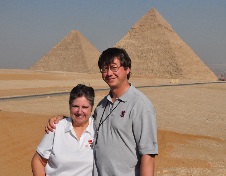 2010-11-08  196  Giza - Veronica and Jay, in Front of the Pyramids of Khufu and Khafre