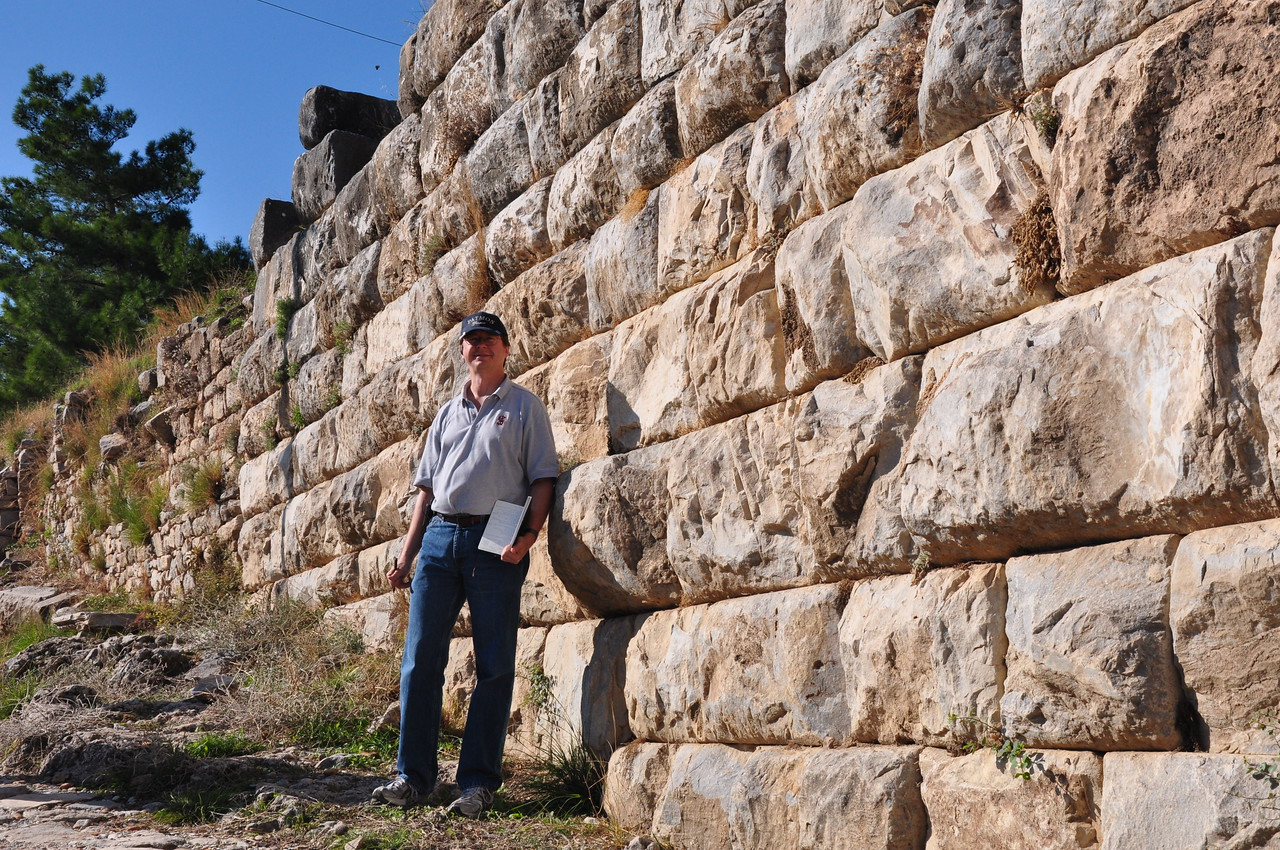 2010-10-31  676  Priene - Jay and a Hellenistic Wall, along 'Athena Street'