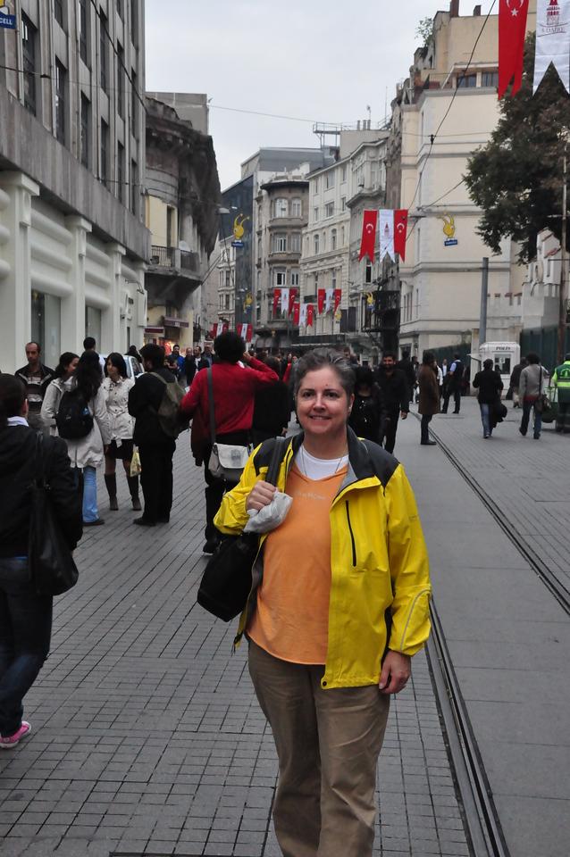 2010-10-26  207  Veronica on Istikial Street, Istanbul