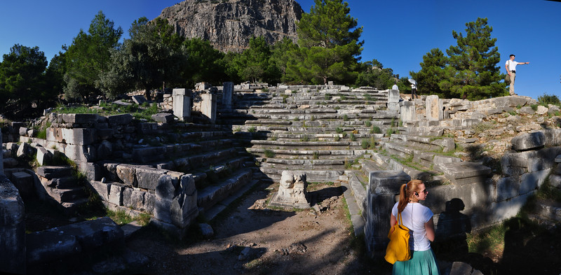 2010-10-31  838  Priene - The Bouleuterion