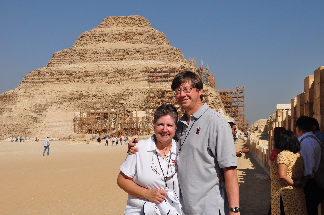 2010-11-08  082  Saqqara - Veronica and Jay, at the Stepped Pyarmid