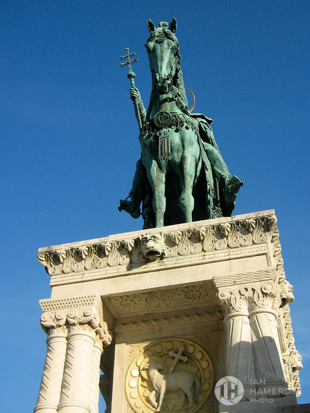 Statue of Stephen I of Hungary