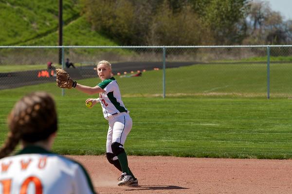 04-22-11 Women's Softball
