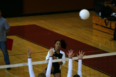 082610 AHS Varsity VB vs Johns Creek 023