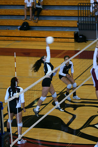 082610 AHS Varsity VB vs Johns Creek 013