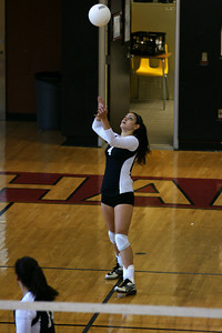 082610 AHS Varsity VB vs Johns Creek 042