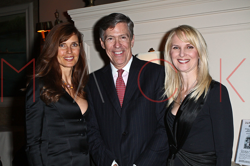 NEW YORK - APRIL 26:  Model Carol Alt, Steven Tanger and Sara Herbert-Galllway attends the 2nd Annual National Meningitis gala at the New York Athletic Club on April 26, 2010 in New York City.  (Photo by Steve Mack/S.D. Mack Pictures) *** Local Caption *** Carol Alt; Steven Tanger; Sara Herbert-Galloway