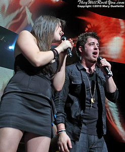 Katie Stevens and Lee Dewyze perform during the American Idol Live show at the Comcast Center on July 18, 2010 in Mansfield, MA.