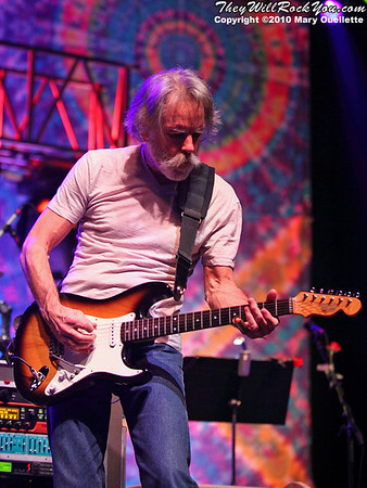 Furthur perform on November 19, 2010 at the DCU Center in Worcester, Massachusetts