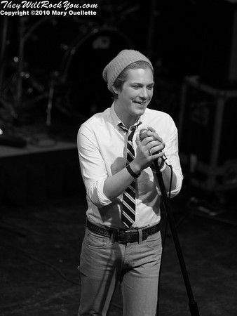 Taylor Hanson of the supergroup Tinted Windows performs at the Hot Stove Cool Music Benefit Show in Boston at the House of Blues on January 9, 2010