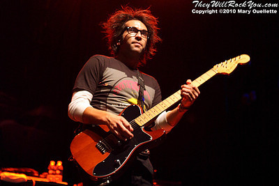 Motion City Soundtrack (with guest lead singers) performing at the House of Blues in Boston, MA on November 8, 2010.