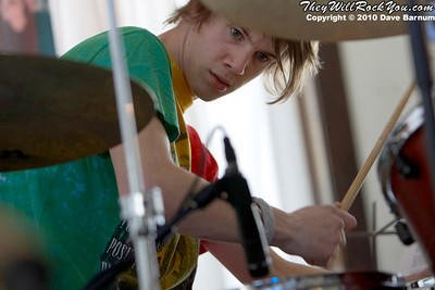 McLovins performing at snoe.down 2010.  Photo by:  Dave Barnum