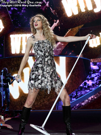 Taylor Swift closes out her Fearless Tour at Gillette Stadium in Foxboro, MA on June 5, 2010