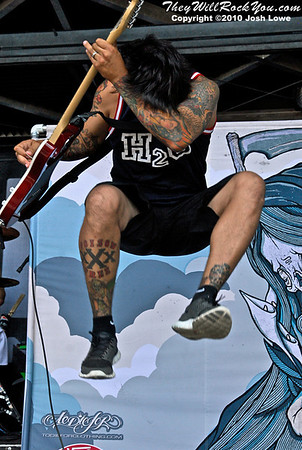 Set Your Goals at the Hartford, CT Warped Tour Stop.