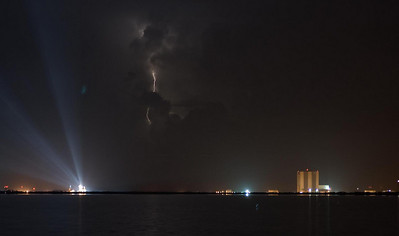 STS-128 pre-launch and offshore lightning