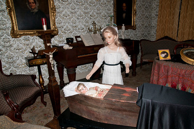 The darker side of Woodstock's history came alive at Spooky Woodstock.  Victorian Mourning and funeral customs on display at Dana House/Woodstock History Center. Photos by nancy Nutile-McMenemy 11/4/10 edition.