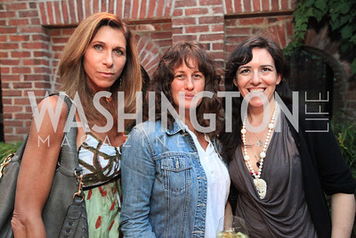 Lorie Peters Julia Cohen Nora Maccoby. Book party for Eric Haseltine hosted by Arturo and Hilda Brillembourg. Photos by Alfredo Flores