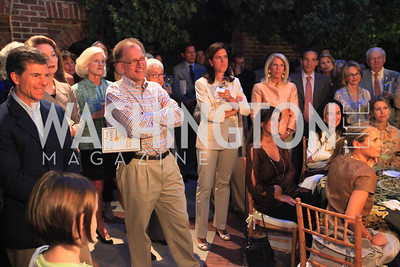 Book party for Eric Haseltine hosted by Arturo and Hilda Brillembourg. Photos by Alfredo Flores