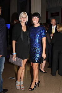 Holly THomas, Kristin Guyter
